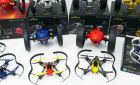 LEDライト搭載で暗闇でも走行・飛行できるParrotのミニドローン「Jumping」と「Airborne」の実機13機種を発売直前レビュー