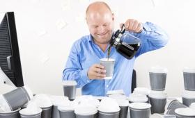 カフェインを断つと生産性が上がる