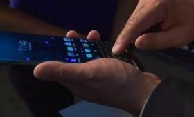 BlackBerryの新スマホ「Priv」、Android転換の代償を意外なところで発揮