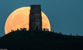 こんなにも美しかった。33年ぶりのスーパームーン&皆既月食コラボ、ブラッドムーンの画像・動画まとめ(随時追加)