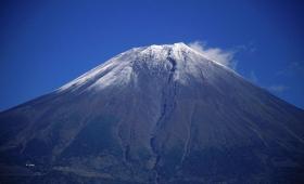 富士山噴火前兆か?「大沢崩れ」で謎の煙!崩落ではない事が判明!