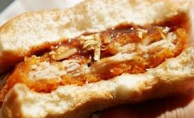 豚肉が何重にも層になったふんわりジューシーなミルフィーユかつが楽しめる「ミルフィーユかつサンド」をファーストキッチンで食べてきた
