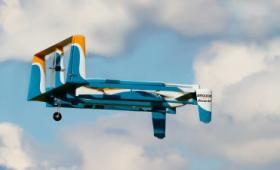 30分以内の配達を実現するAmazonの配達ドローンが劇的進化、着陸方法など最新版ムービー公開