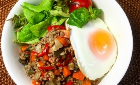 簡単うまくてタイ気分、野菜もガバガバ食べられる、ガパオ丼の作り方【ネトメシ】