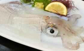 いかの足がピクピク動く新鮮ないか活造りを食べるべく「海中魚処 萬坊」に行ってみた