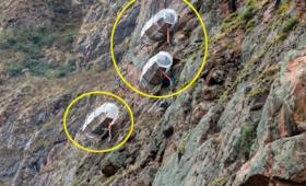 怖すぎかよ!高さ400mの断崖絶壁に宙づりになったカプセルで一夜を過ごすスリリングなホテル