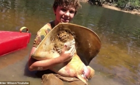 【感動】12歳の少年、顔がかわいい妊婦の出産の手伝いを行い話題に