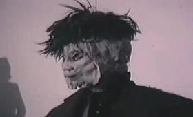 知る人ぞ知る恐怖の犯罪者、「ジャージーの獣」の異名をもつエドワード・パイスネルが使用していた自家製のゴムマスク(ホラー注意)