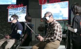 VRヘッドセットを装着しラジコン戦車の車載カメラで白熱のバトルを繰り広げる「VRラジコン戦車バトル」