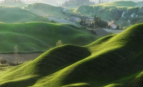なんというおとぎ話的空間!トスカーナのファンタジーに満ちた牧歌的な風景写真