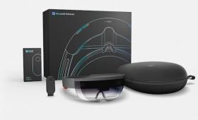 マイクロソフトの「HoloLens」、とうとう開発者向けに出荷開始