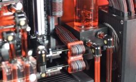 マニアにはごちそう。水冷式CPU冷却装置の内部に色水を流し入れその動作を可視化した映像