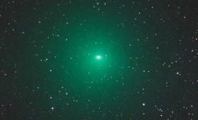 緑色に輝く彗星、「リニア彗星(252P)」を観測するチャンス到来!3月29日は火星と土星と一直線に並ぶぞ!