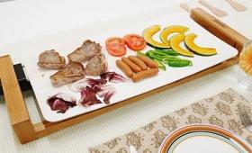大皿みたいな白いホットプレート「テーブルグリル ピュア」がすごいのはデザインだけじゃなかった