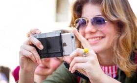 【カッコいい】iPhoneを一眼レフ風カメラにするガジェット登場!