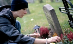 【なるほど】死んだらSNSのアカウントはどうなるの?現状のまとめ公開