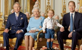 【カオス過ぎる】90人のイギリス女王を探すゲームが難しいと話題に