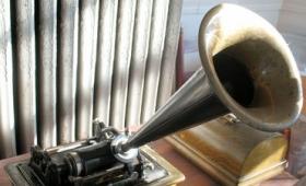 エジソンが自分で蓄音機の宣伝をする貴重な1906年の録音データ