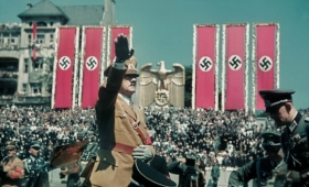 ヒトラーの専属写真家、ヒューゴ・イェーガーが残した鮮明なる当時のカラー写真