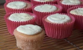 材料はたった2つ! 超簡単なカップケーキの作り方