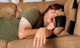 誘惑に負けず、4ステップで暴飲暴食と夜更かしをやめる習慣