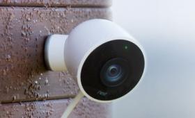 Googleに買収されたNestが屋外セキュリティ用の全天候対応カメラ「Nest Cam Outdoor」を発表