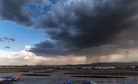 【自然すごい】一瞬で青空を埋め尽くす黒い雲、雨、風