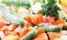 凍らせた食品は冷蔵庫でゆっくり解凍は間違い。科学的に根拠のある一番良い解凍方法とは?(スウェーデン研究)