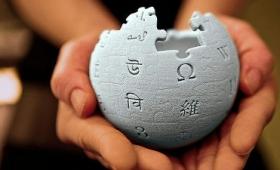 Wikipediaは15年にもわたる編集合戦の末に記述内容が次第に中立になりつつあることが研究で判明
