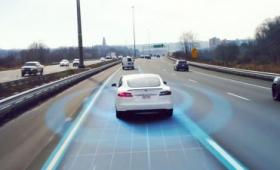 自動運転カーが避けられない事故で歩行者と乗客のどちらの命を優先させるのかという「倫理的ジレンマ」をどう解決するべきか?