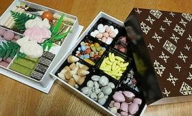 「こんな見た目のチョコがあるのか!」ということでおせちっぽくチョコを詰めまくる「チョコレートおせち」の作り方