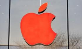 次期iPhoneはデザイン変わらず新たにレッドカラーだけ追加?