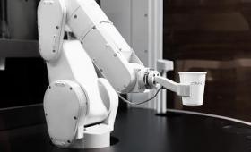 ロボットが淹れたてのコーヒーを提供してくれるコーヒーショップ「Cafe X」