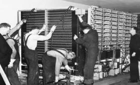 「ループ」「パッチ」「ライブラリ」「バグ」などは伝説的システム「Harvard Mark I」に由来する