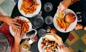 本当に「健康的な食生活」とは何か?過去40年分の研究を洗いざらい調べてわかったこと