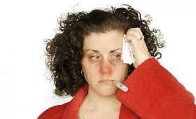 孤独な人が風邪をひくと症状が悪化することを示す研究結果