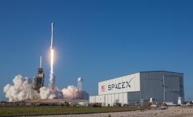 祝! SpaceX、再利用ロケット打上げ&回収成功
