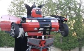こ、これは・・・走りながらロボットに変身してしまうトランスフォーマーロボットカーが民間人によって開発される