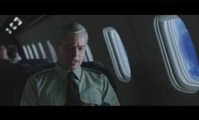 ブラッド・ピット主演映画『ウォー・マシーン:戦争は話術だ!』のVFX裏側映像。普通のシーンかと思いきや……