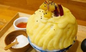 こんもり盛られた氷を分厚い「芋蜜」が覆う、らんらんのかき氷「芋づくし」を食べてみました