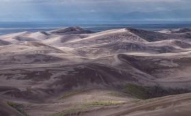 地球内異世界。スターウォーズに出てくる惑星タトゥイーンのような、サンド・デューン国立公園の砂漠(アメリカ・コロラド州)