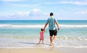 親が子どもに費やす時間は50年前の倍に増加していることが判明、ただしフランスは除く
