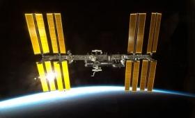 これどんな生命体?国際宇宙ステーション(ISS)の外壁に生きた謎の細菌が発見される