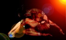 偽物でも神秘体験を得たという人が続出。「神のヘルメット」実験で強力なプラセボ効果が照明される(オランダ研究)