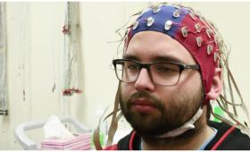 AIヤバイ!人の脳をスキャンし思った顔を画像化することに成功