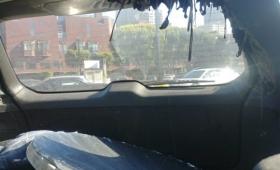 夏の日差しが強い日、車内に鏡を置いておくととんでもないことに!科学者が公開したデロデロすぎる車内の写真