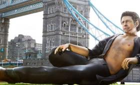 胸板セクシーなマルコム博士。最強のインスタ映えスポットがロンドンに登場!映画「ジュラシック・パーク」25周年記念