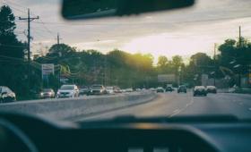 電気自動車の充電時間を秒単位にまで短縮できる画期的なバッテリーを研究者が考案