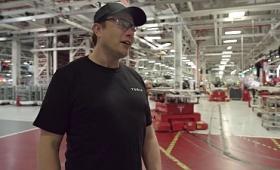 テスラのイーロン・マスクCEOが直々に主力工場の「フリーモント工場」を案内するムービー