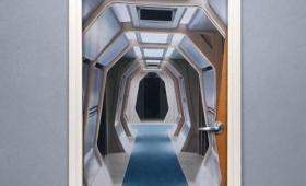家の中から異次元空間へ、宇宙へといざなってくれるかもしれないスタートレックの錯視的ドアカバーがナウオンセール!